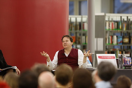 Prof. Dr. David Graeber, Professor für Anthropologie, London School of Economics and Political Science, Aktivist